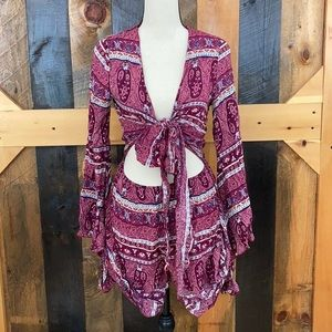 Bell sleeve romper size Small